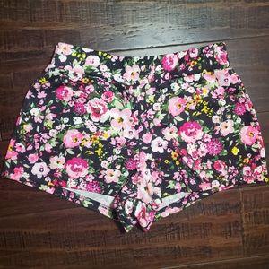 Brat Star Floral Shorts sz Small